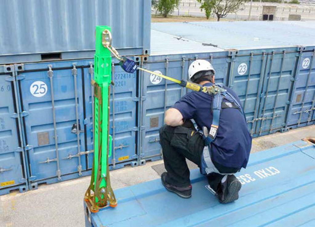 Absturzsicherungspfosten fuer ISO Container